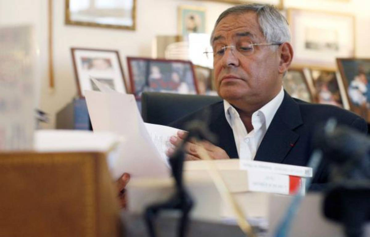 L'avocat Robert Bourgi dans son cabinet a Paris, le 9 septembre 2011. – BERNARD BISSON/JDD/SIPA
