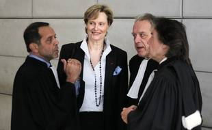 Dominique-Claire Mallemanche, fin 2016 à Nice, avec ses avocats