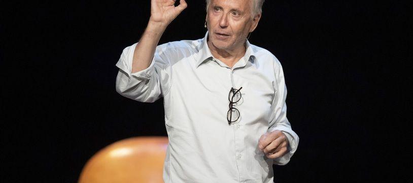 Fabrice Luchini enfilera-t-il bientôt une blouse de professeur de médecine ?