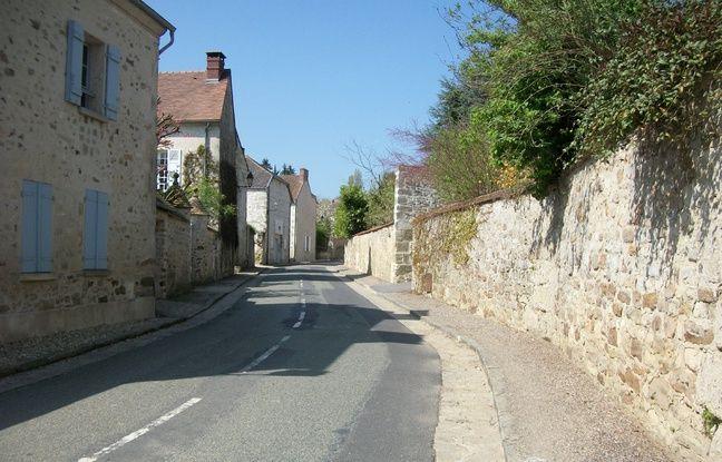 Rue de Wy-Dit-Joli-Village dans le Val-d'Oise.