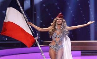 Amandine Petit en Marianne lors du concours de Miss Univers.