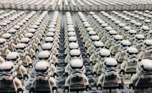 Même les jouets sont costumés à la convention Star Wars Celebration