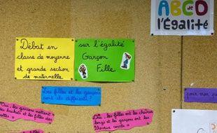 """""""Les filles c'est pas des chochottes"""", lance Kassandra, 11 ans, qui aime bien jouer au foot et qui trouve naturel que l'on discute dans son école des différences et des points communs entre filles et garçons dans le cadre de l'ABCD de l'égalité."""