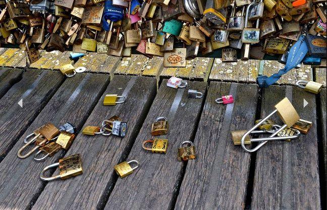 Des cadenas sur le pont des arts