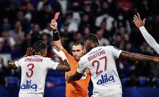 Le Lyonnais Emerson expulsé lors du match OL-Lorient, le 25 septembre 2021.