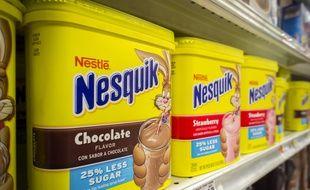 Boîtes de chocolat en poudre Nesquik dans le rayon d'un magasin à New York (Etats-Unis), le 15 avril 2013.