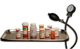 Dans la saison 4 Nurse Jackie doit soigner sa dépendance aux anti-douleurs