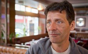 Michel Courtois, le 12 juin 2012 à Bois-Colombes (Hauts-de-Seine). L'homme de 46 ans, soupçonné du meurtre de Nathalie Davids, a été remis en liberté sous contrôle judiciaire le 11 juin 2012.