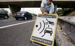 Le gouvernement a annoncé mercredi un large éventail de mesures contre l'alcool au volant, devenu, avant la vitesse, la première cause de mortalité sur les routes, afin de passer sous la barre des 3.000 morts en 2012, un cap fixé par le président Sarkozy.
