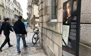 Le totem évoquant l'histoire des rues nantaises se situe rue Kervégan.
