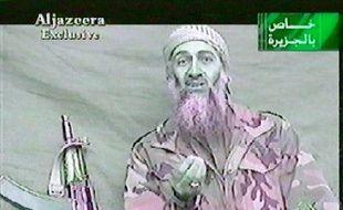Capture d'écran d'un message vidéo d'Oussama ben Laden diffusé par Al-Jazira le 26 décembre 2001.