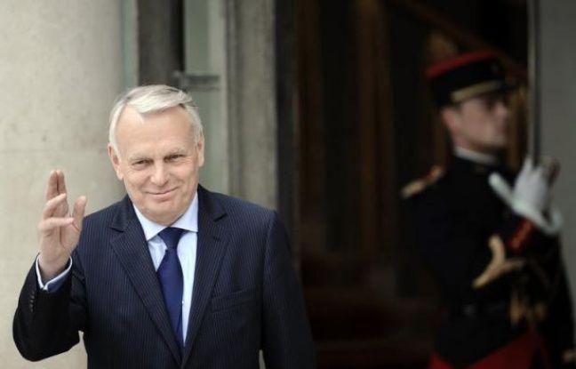 """Le Premier ministre, Jean-Marc Ayrault, a promis vendredi sur France Inter une """"concertation"""" avec enseignants et parents d'élèves sur la question des rythmes scolaires et de la semaine de cinq jours, à l'issue de laquelle un """"arbitrage"""" sera rendu."""