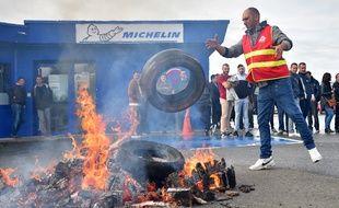 Des pneus ont brûlé toute la journée devant l'entreprise vendéenne.