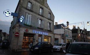 Les parents d'un des nourrissons morts à Chambéry ont reproché jeudi aux autorités sanitaires d'avoir tardé à suspendre l'activité du laboratoire Marette, où des manquements dans la fabrication des poches incriminées avaient été constatés trois semaines avant la décision du 8 janvier.