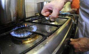 """- SLOVAQUIE - Elle aussi entièrement privée de gaz russe, son unique fournisseur, la Slovaquie a décrété """"l'état d'urgence énergétique"""" et maintenait vendredi de strictes restrictions pour le secteur productif, à défaut de quoi les réserves seraient épuisées en moins de dix jours y compris pour les ménages, a indiqué la société SPP."""