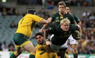 L'Australie, sous le feu des critiques après son mauvais début de Four Nations, a montré beaucoup d'orgueil samedi pour décrocher face à l'Afrique du Sud (26-19) sa première victoire dans la compétition