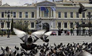 Moins de deux semaines avant les élections législatives cruciales du 17 juin, la Grèce subit à nouveau une intense pression de la part des pays occidentaux et des marchés pour respecter les engagements du plan de rigueur et éviter de sortir de l'euro.
