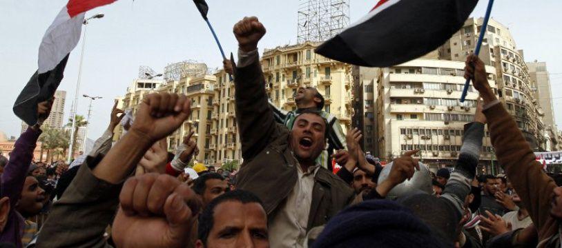 Une manifestation contre le régime d'Hosni Moubarak, le 4 février 2011 sur la place Tahrir au Caire (Egypte).