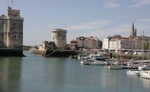 Le Festival de la Fiction TV se déroule sur les quais du Vieux Port de La Rochelle.