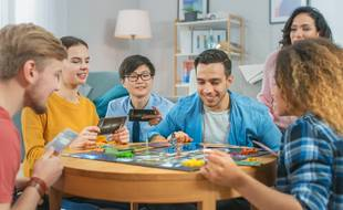 Profitez de l'offre Cdiscount : deux jeux de société achetés, le troisième offert