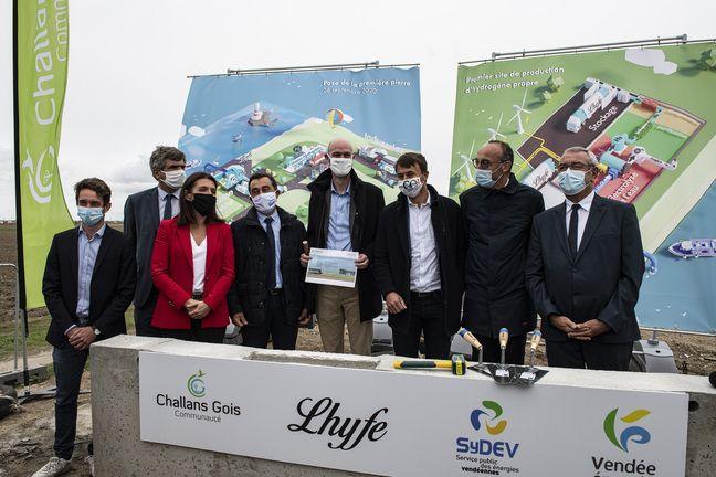 Pose de la première pierre de la première unité de production d'hydrogène vert, le 26 septembre 2020 à Bouin.