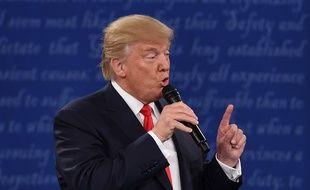 Donald trump, lors du débat du 9 octobre 2016