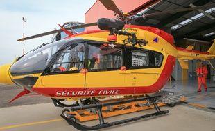 Base de Dragon 67 à Entzheim, hélicoptère de la Sécurité civile et para-médicalisé par les Hôpitaux universitaires de Strasbourg SAMU 67. Strasbourg le 30 08 2017.