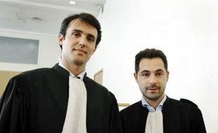 Mes Perez (à g.) et Bellilchi-Bartoli ont assuré la défense de deux supporteurs marseillais.