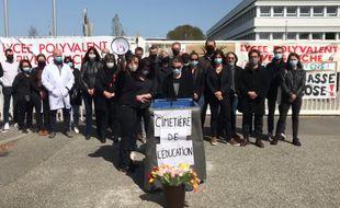 Lors de la manifestation du 30 mars des enseigannts du lycée rive gauche du Mirail, à Toulouse.