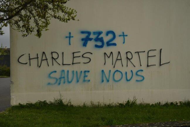 L'un des tags découverts sur le centre culturel musulman Avicenne de Rennes.