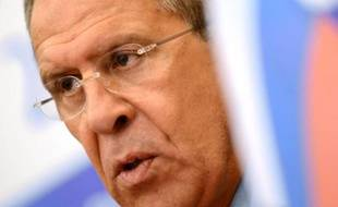 """L'ex-consultant de la NSA, Edward Snowden qui se trouve actuellement dans la zone de transit d'un aéroport de Moscou, n'a pas violé les lois russes et a le """"droit"""" de partir de Russie où il veut, a déclaré mercredi le chef de la diplomatie russe, Sergueï Lavrov."""