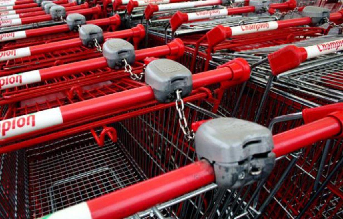 Caddies de supermarché au Mans en 2007. – GILE/SIPA