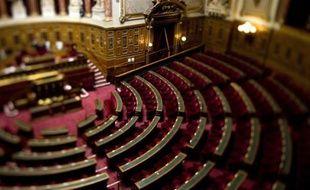 """Voyages, crédits de réception, voitures, indemnités: le président PS du Sénat, Jean-Pierre Bel, qui souhaite un Sénat """"exemplaire"""" s'est lancé dans un plan de réduction du train de vie des élus, maintes fois décrié"""