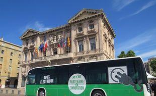 La première ligne de bus électrique de France est lancée