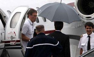 Laurent Blanc à son arrivée à l'aéroport de Bordeaux, le 7 mai 2011.