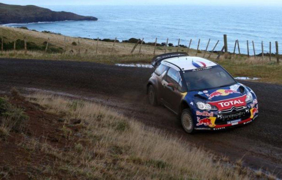 Citroën Racing a décidé de figer les positions en tête du rallye de Nouvelle-Zélande, samedi soir à Auckland, alors que le Français Sébastien Loeb menait toujours cette 7e manche de la saison 2012 devant son coéquipier finlandais Mikko Hirvonen, 2e à 6 secondes dans l'autre DS3 – Michael Bradley afp.com
