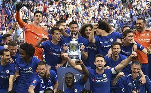Chelsea remporte la Coupe d'Angleterre contre Manchester United.