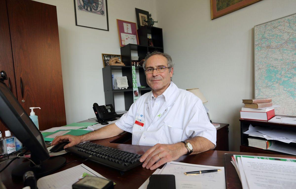 Coronavirus : « A côté de Didier Raoult, c'est un gentil »...Comment le Professeur Perronne est devenu l'autre apôtre décrié de la chloroquine