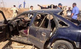 Au moins 32 personnes ont péri dimanche en Irak et près de 90 autres ont été blessés lors d'une série d'attentats, au cours de laquelle une bombe à proximité du consulat honoraire de France à Nassiriya, au sud de Bagdad, a fait un mort.