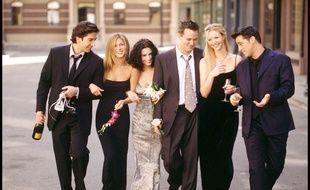 Les acteurs de Friends De gauche à droite: David Schwimmer, Jennifer Aniston, Courteney Cox, Matthew Perry, Lisa Kudrow et Matt LeBlanc