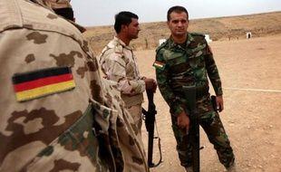 Des militaires allemands forment des peshmergas au maniement des armes sophistiquées pour combattre les jihadistes du groupe Etat islamique, le 2 octobre à Erbil, en Irak
