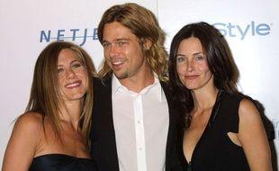 Jennifer Aniston, Brad Pitt et Courteney Cox  à Beverly Hills en 2003.
