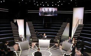 Le plateau où aura lieu le débat sur TF1 entre 5 candidats à la présidentielle, le 20 mars 2017.