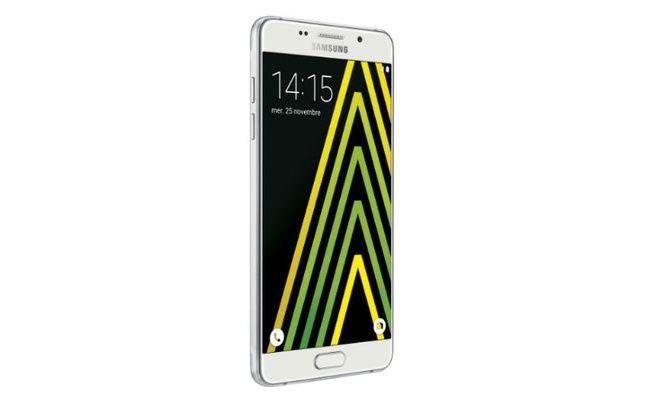 Le nouveau Galaxy A5 de Samsung possède de sérieux arguments... dont son prix.