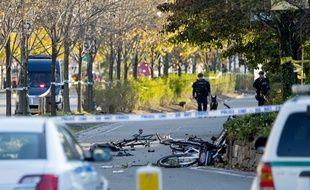 Le chauffeur d'une camionnette a fauché des cyclistes mardi 31 octobre 2017 dans le sud de Manhattan, faisant huit morts et au moins 11 blessés dans un acte qualifié de terrorisme par les autorités.
