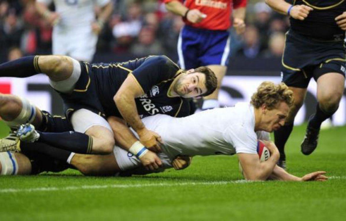 L'Irlande et l'Angleterre sont partis du bon pied dans le Tournoi des six nations 2013, en dominant samedi en ouverture respectivement le pays de Galles (30-22), tenant du titre, et l'Ecosse (38-18). – Glyn Kirk afp.com