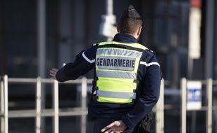 Un gendarme lors d'un contrôle routier. Illustration.