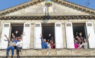 Les membres de l'association Supercoop Bordeaux dans leurs locaux à Bègles.