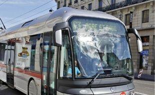 Les TCL veulent limiter la vente dans les bus pour améliorer la régularité.