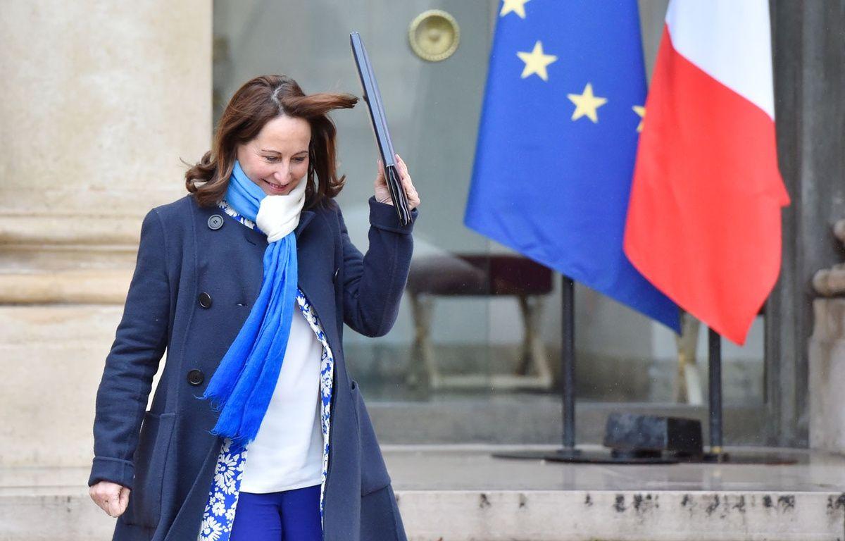 Ségolène Royal, ministre de l'Ecologie, sort de l'Elysée le 9 mars 2016. – AFP / ALAIN JOCARD